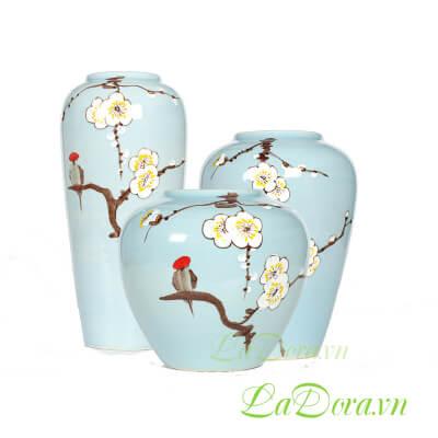 bình gốm thủ công hoa mai trắng