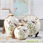 Mua bình gốm sứ chim và hoa trang trí tại LaDora.vn