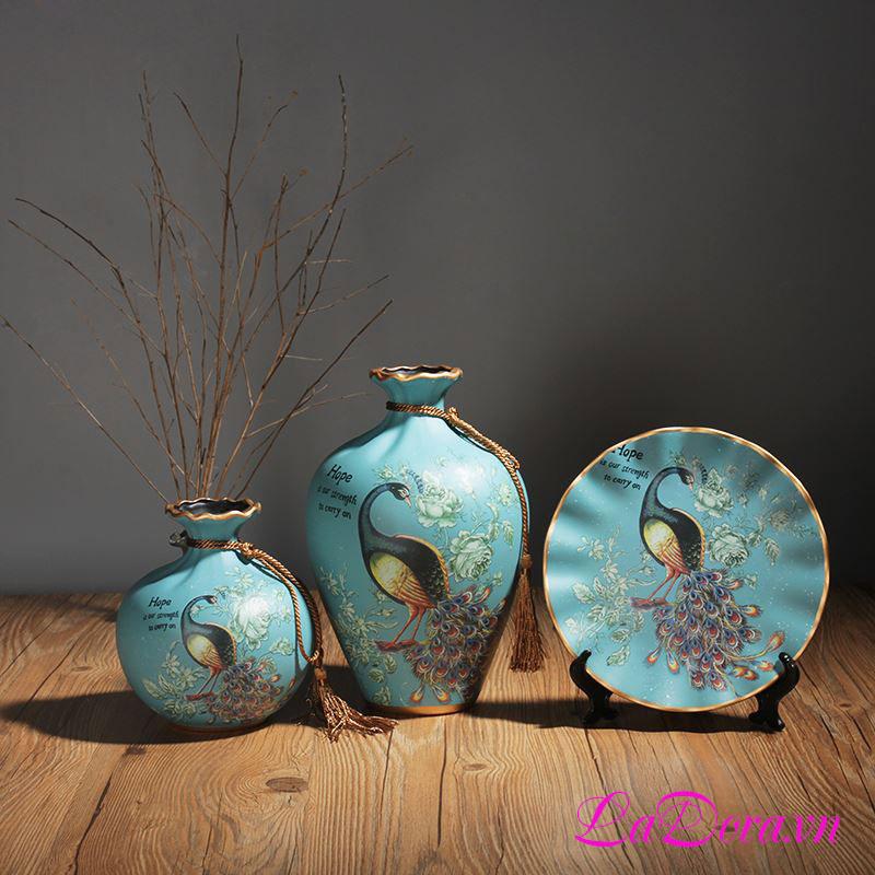 Bình gốm con chim công đẹp tại LaDora.vn