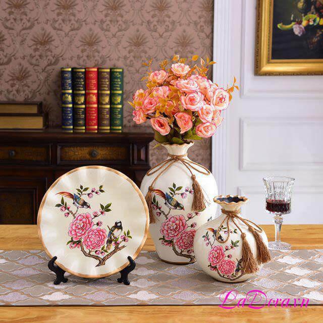 Bình gốm sứ chim và hoa tại LaDora.vn