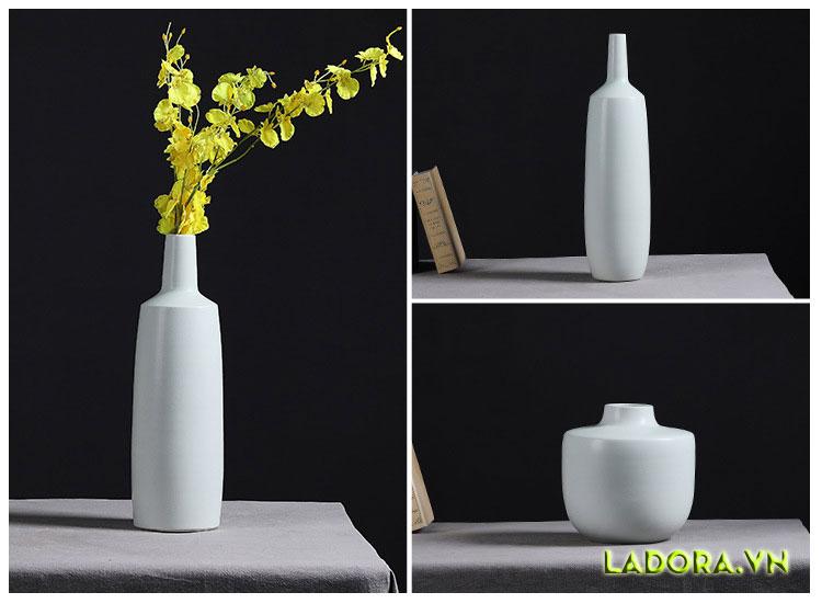 Đồ trang trí phòng khách đẹp với bình cắm hoa hiện đại