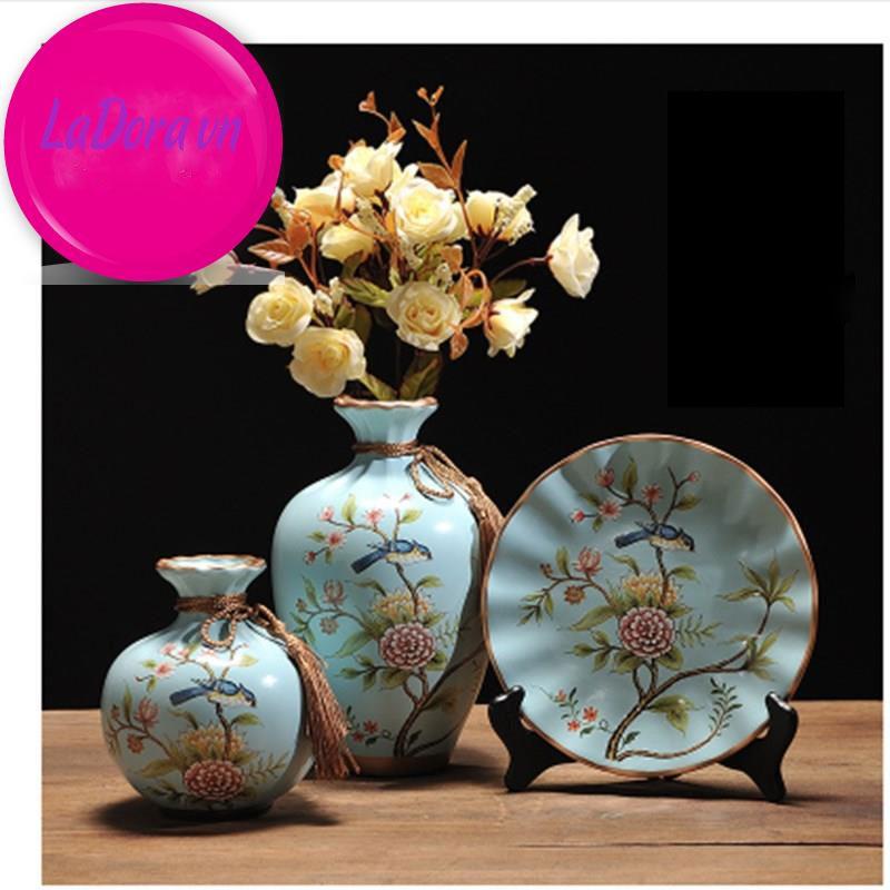 Bình gốm sứ chim và hoa trang trí tại ladora.vn