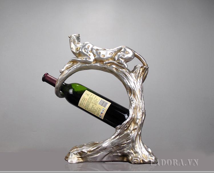 Kệ để rượu vang báo đốm tại LaDora