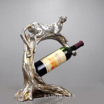 Kệ rượu vang báo đốm tại LaDora.vn