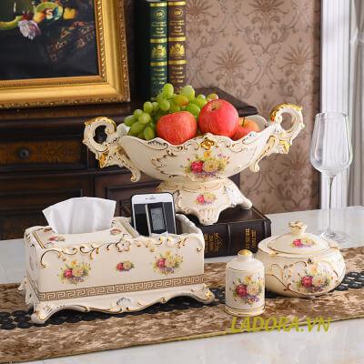 Trang trí bàn ăn đẹp với Ladora.vn