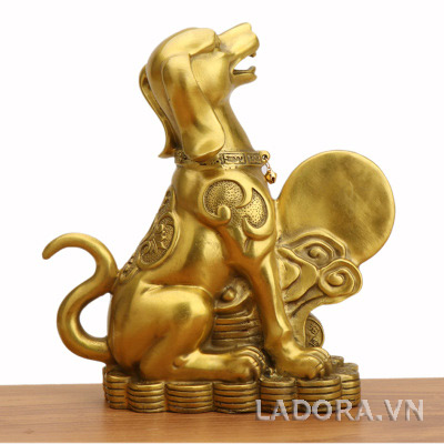 tượng chó tài lộc trang trí ý nghĩa tại ladora