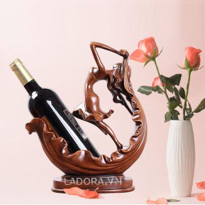 giá đựng rượu vang tại ladora.vn