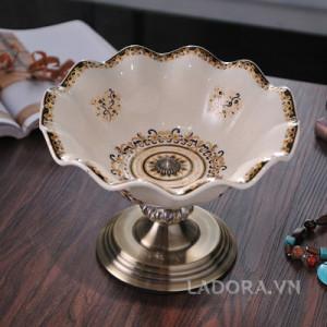 trang trí bàn ăn gia đình sang trọng tại ladora.com.vntrang trí bàn ăn gia đình sang trọng tại ladora.com.vn