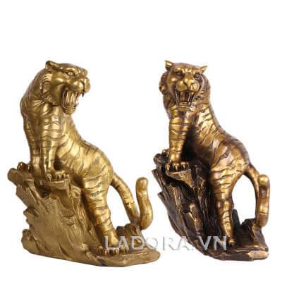 tượng con hổ bằng đồng trang trí bàn làm việc tại ladora shop