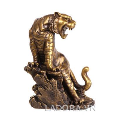 tượng hổ tại ladora được đúc đồng tinh xảo