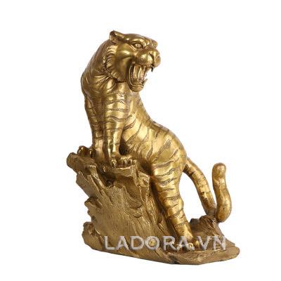 tượng hổ sống động tại ladora