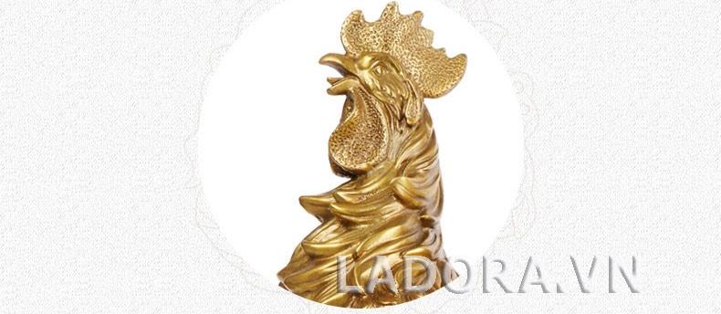 quà tặng ý nghĩa với tượng gà trống tại ladora