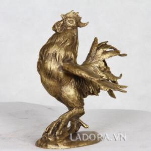 tượng gà trống đặt phòng khách phong thủy tại ladora shop
