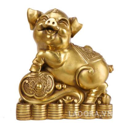 Tượng con lợn hay con heo trang trí tại ladora