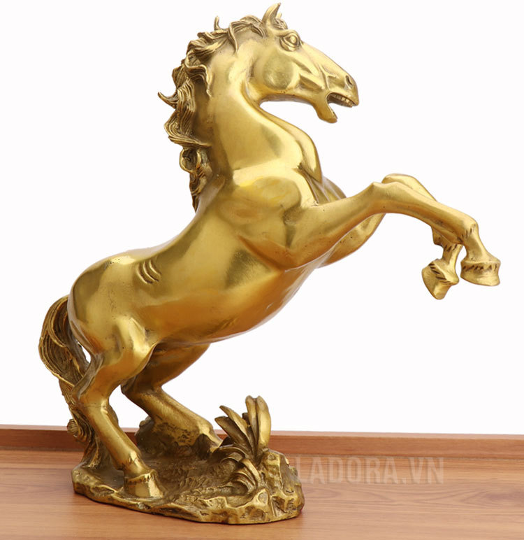 tượng ngựa với ý nghĩa mã đáo thành công