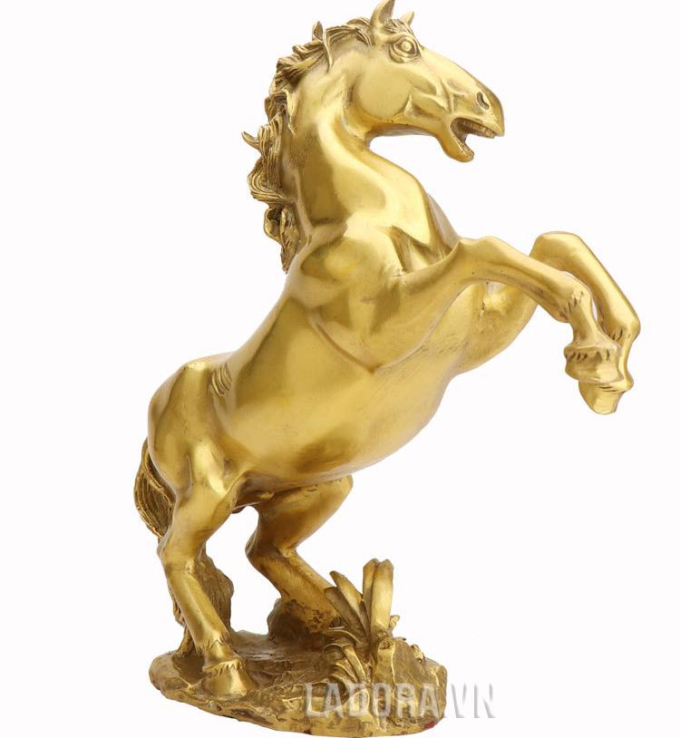 tượng con ngựa tại ladora shop