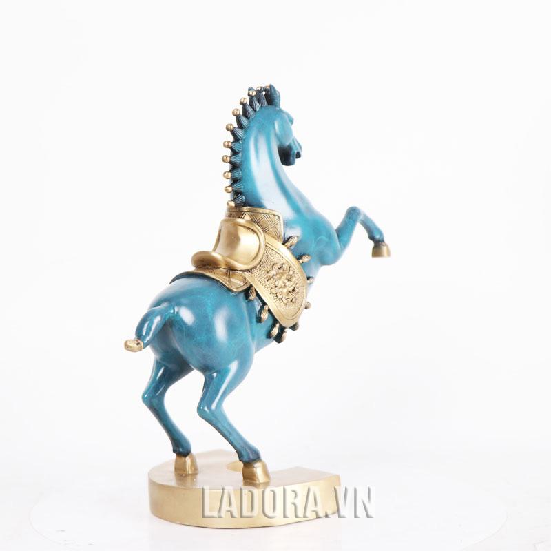tượng ngựa trong phong thủy có nhiều ý nghĩa tốt đẹp