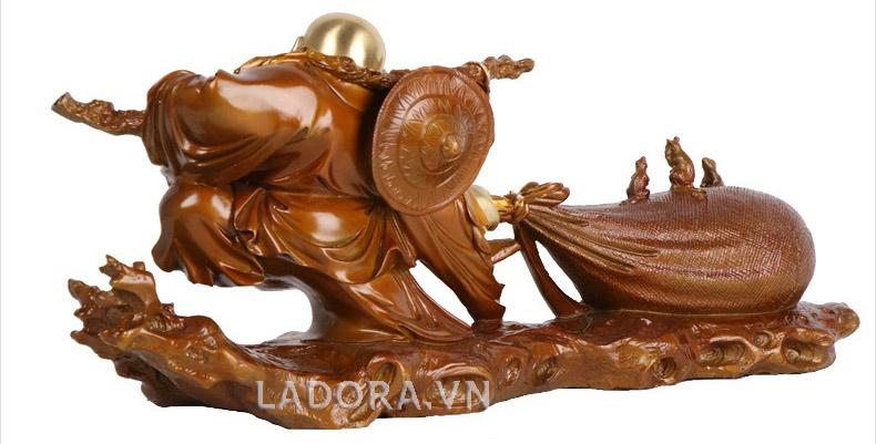 Phật di lặc kéo túi tại ladora