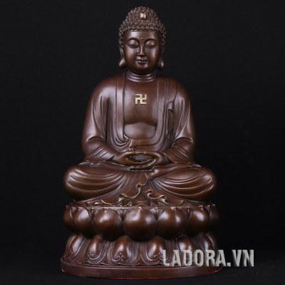tượng Như Lai Phật tổ tại cửa hàng nội thất ladora