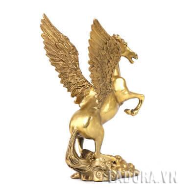 tượng ngựa có cánh trang trí bàn làm việc tại ladora shop