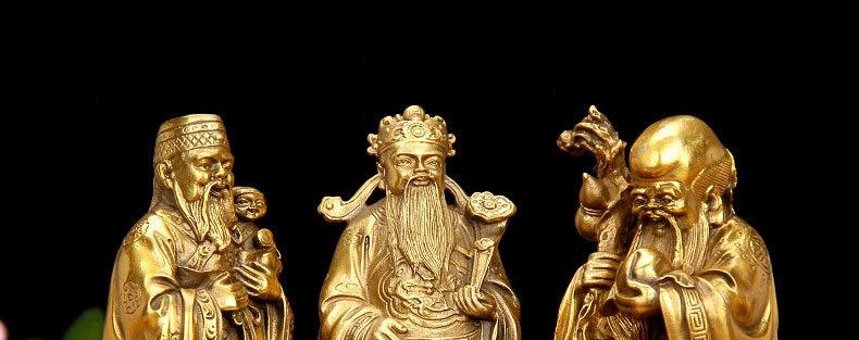 tượng ông Lộc ở giữa