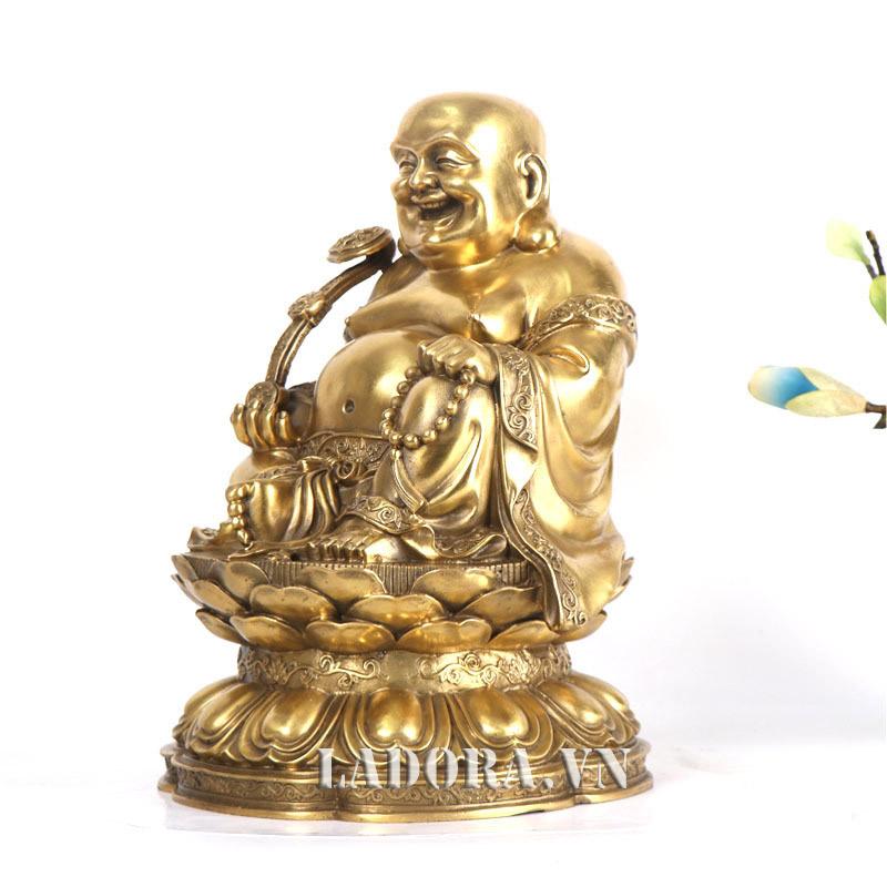 Phật di lặc hỗ trợ để hoàn thành công việc tốt hơn