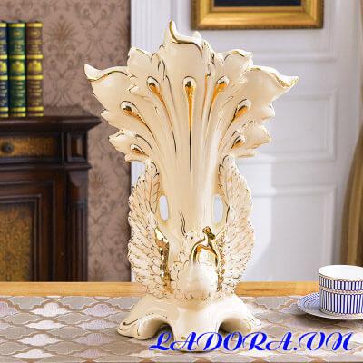 bình hoa gốm sứ tại shop bán đồ trang trí nhà ở hà nội ladora