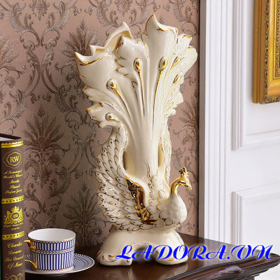 bình hoa gốm sứ sang trọng tại shop bán đồ trang trí nhà ở hà nội ladora