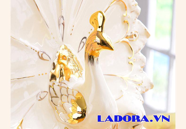 chim công trang trí nội thất là biểu tượng của phú quý - ladora shop bán đồ decor ở hà nội