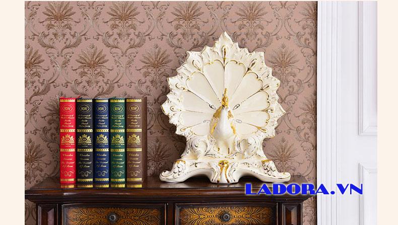 trang trí nội thất đẹp với chim công gốm sứ - ladora shop bán đồ decor ở hà nội