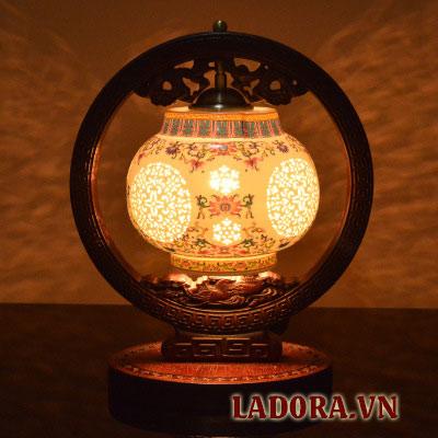 đèn ngủ để bàn cao cấp tại shop bán đồ trang trí nhà đẹp ở hà nội ladora