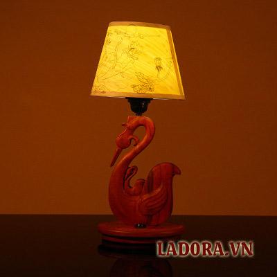 đèn bàn tại shop đồ decor ở hà nội ladora