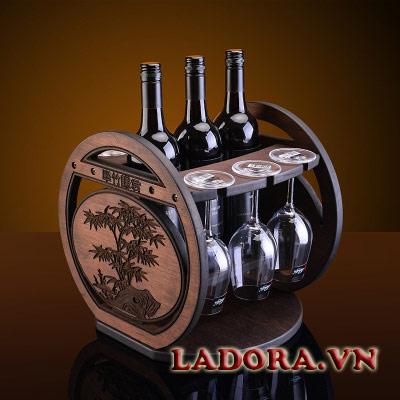 giá treo ly rượu vang gỗ tại shop bán đồ trang trí nội thất nhà đẹp ladora