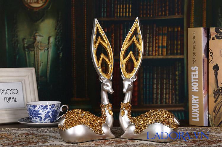 cặp hươu với đôi sừng độc đáo tại shop bán đồ trang trí nhà ở hà nội ladora