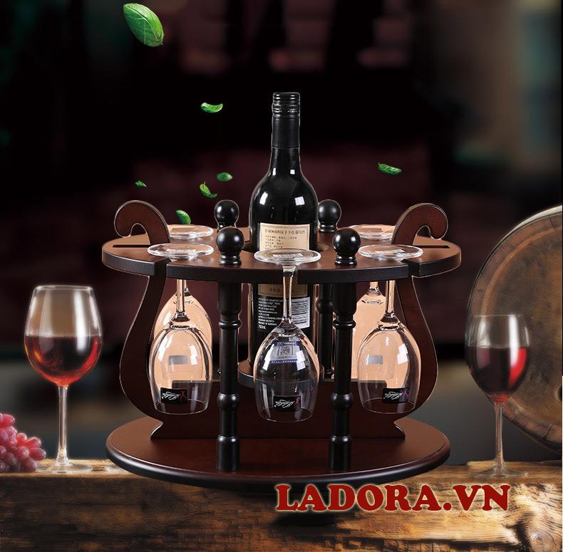 giá treo ly rượu vang bằng gỗ tại shop bán đồ trang trí nhà đẹp ladora