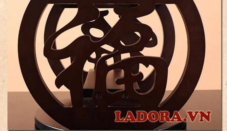 chữ Phúc trên giá treo ly - đồ decor đẹp tại ladora shop ở hà nội