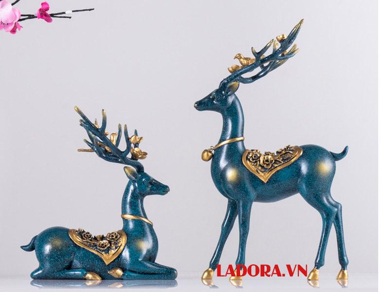 cặp hươu màu xanh dương tại ladora - shop bán đồ trang trí nhà đẹp