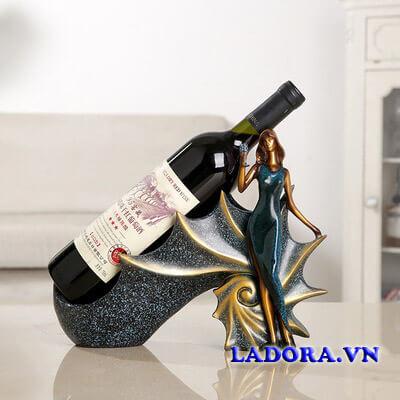 Kệ rượu để bàn tại ladora shop bán đồ trang trí nhà đẹp