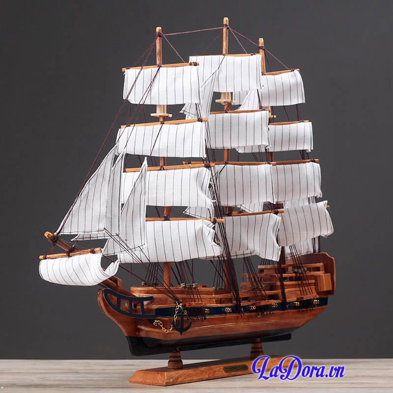 mô hình thuyền buồm phong thủy tại ladora shop bán đồ trang trí nội thất ở hà nội
