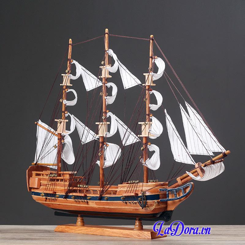 thuyền buồm phong thủy tại ladora shop