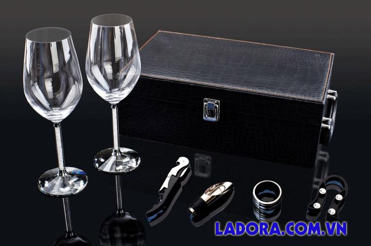 quà tặng sếp đôc đáo bộ ly rượu vang cao cấp tại ladora shop
