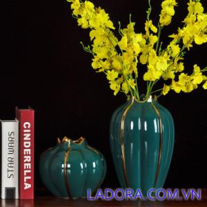 Bình gốm sứ độc đáo tại Ladora Shop