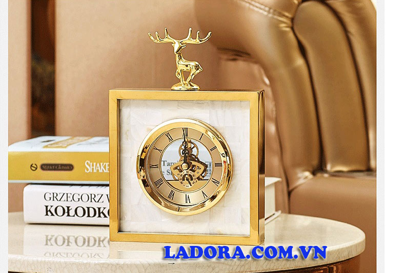 quà tặng ý nghĩa với đồng hồ để bàn cao cấp tại ladora shop