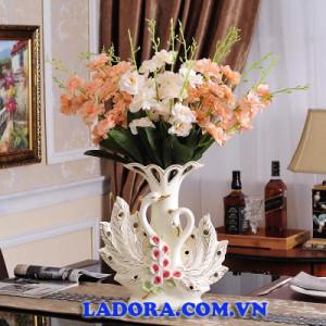 quà kỷ niệm ngày cưới bình hoa chim thiên nga tại ladora shop