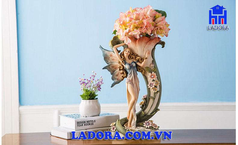 quà biếu sếp nữ độc đáo Bình hoa tiên nữ tại Ladora Shop