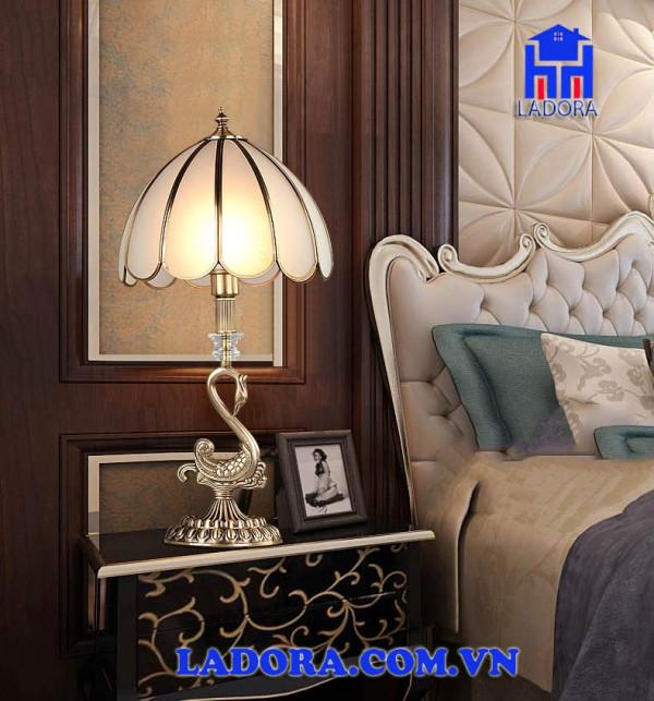 đèn trang trí phòng ngủ tại shop đồ decor ladora