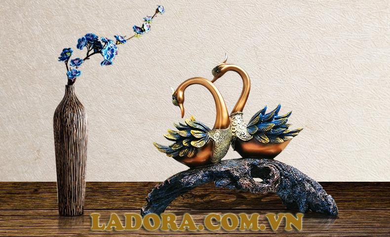 đôi chim thiên nga trang trí nội thất tại ladora shop