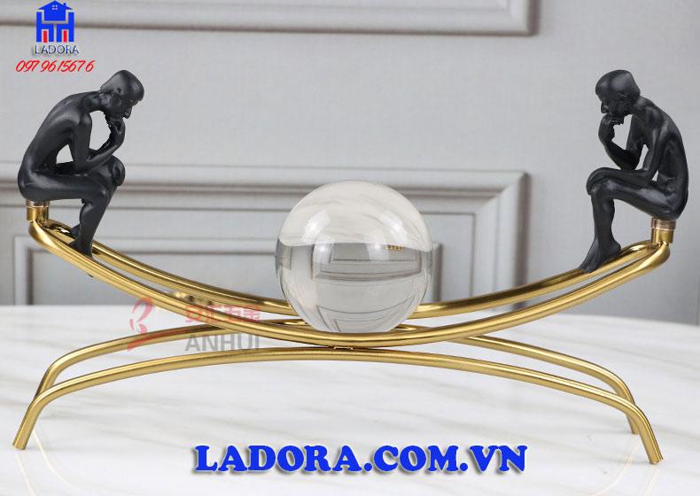 đồ trang trí bàn làm việc độc đáo và ý nghĩa tại Ladora shop